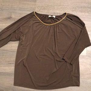 Michael Kors silky top w open shoulders